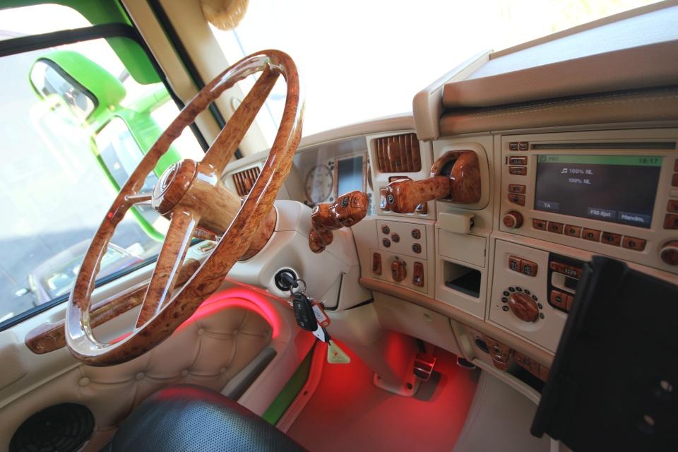 truck interieur voor bart de bruycker previous