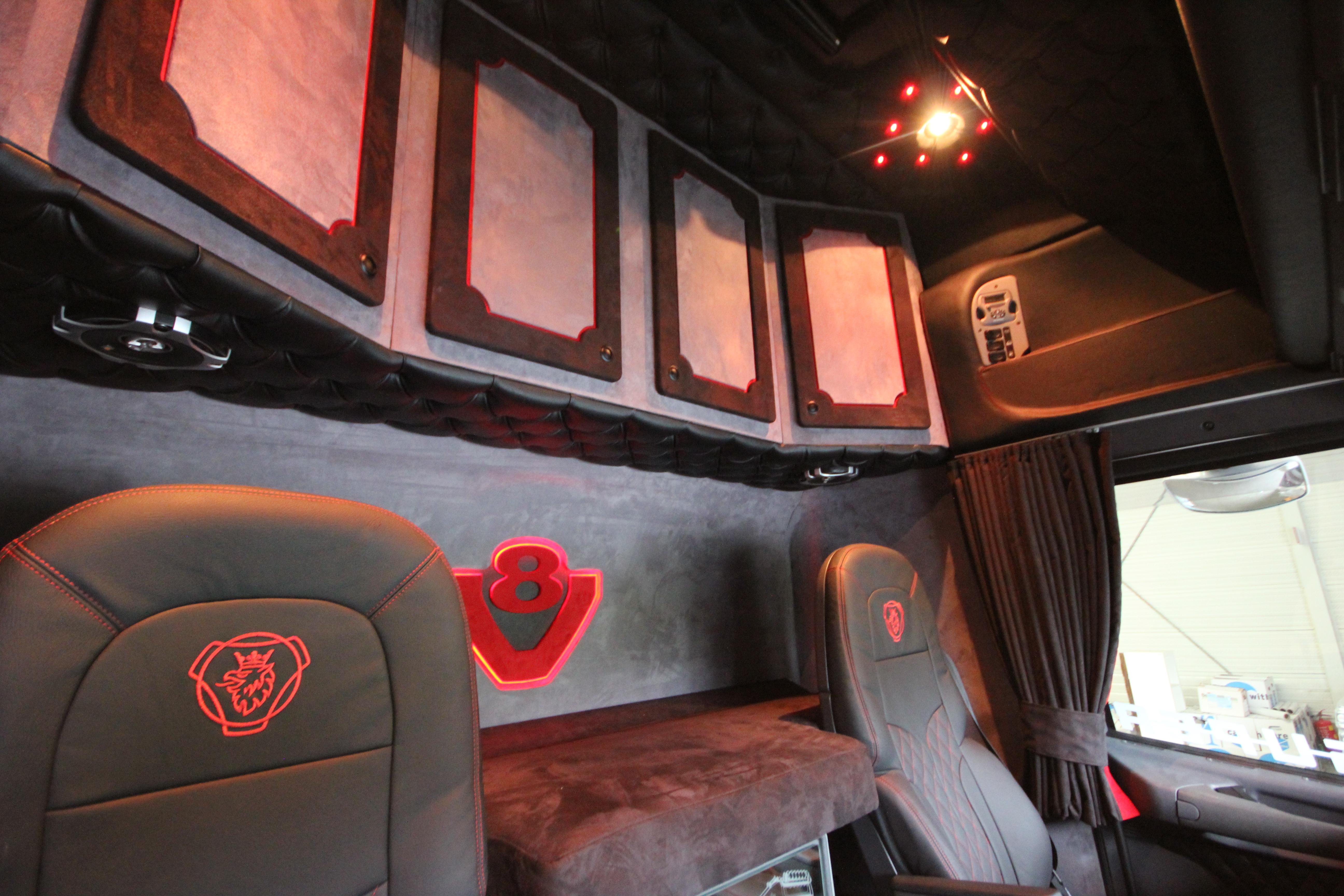 Voorbeelden truckbekleding Royal Class Truck Interiors