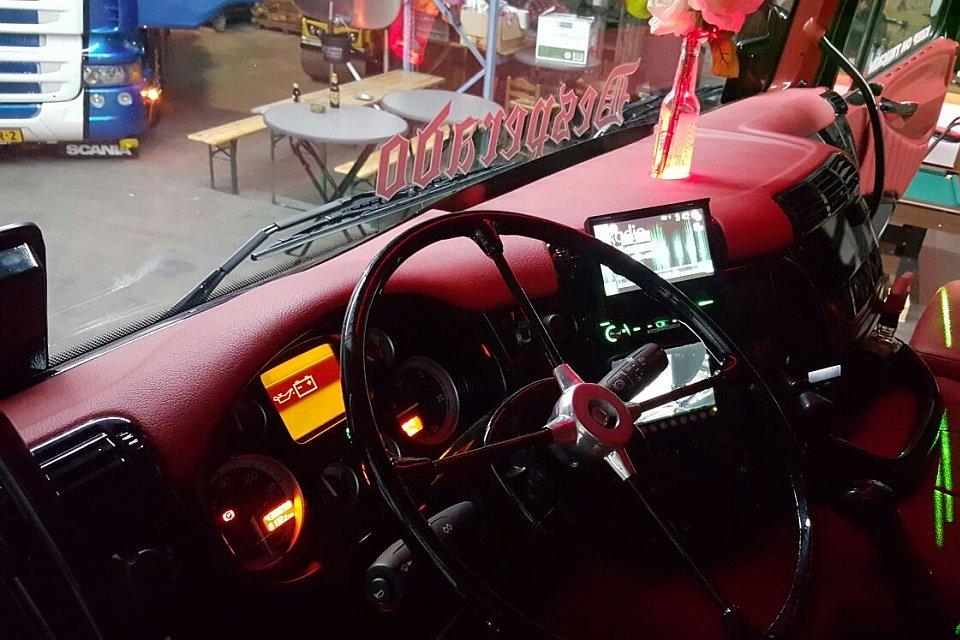 Truckbekleding en truck interieur Royal Class Truck Interiors